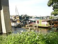 Houseboats below Aurora bridge 03.jpg