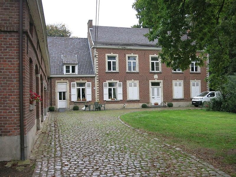 Huis gedateerd 1786, in de 19de eeuw bewoond door dr Arnauts: Overbeekstraat 7 Geetbets