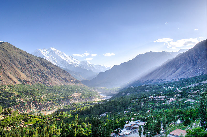 Foto: 'Hunza Valley HDR' door Faizanahmad op Wikimedia Commons