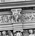 INTERIEUR, OXAAL, DEEL VAN FRIES MET ENGEL - Schoonhoven - 20301958 - RCE.jpg