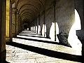 I portici verso il Santuario della Madonna di Monte Berico.jpg