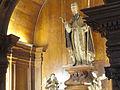 Igreja de São Pedro dos Clérigos - estátua de São Pedro no altar-mor.jpg