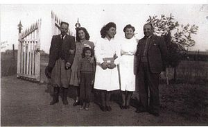 Bahía Blanca - Immigrants from Spain in gaucho attire taking their children to an Argentine school, 1939