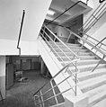 Interieur, trappenhuis met dubbele trappen - Rotterdam - 20002783 - RCE.jpg