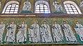 Italie, Ravenne, basilique Sant'Apollinare Nuovo, Italie, Ravenne, basilique Sant'Apollinare Nuovo, mosaïque du cortège des martyrs, détail (48087113402).jpg