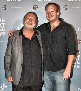 Jack Thompson (actor) with his son Bill Thompson (2).jpg
