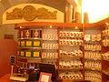Jedno ze stanowisk kasowych sklepu Kopernik w Dworze Artusa w Toruniu.jpg
