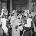 Joegoslavische dansers in Rotterdam mevrouw Van Walsum, Bestanddeelnr 914-1315.jpg