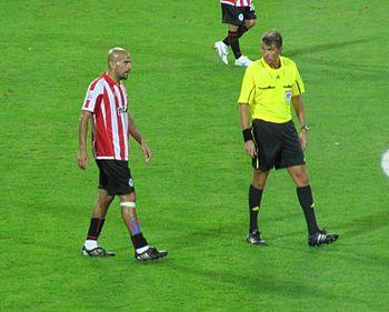 Juan Sebastian Veron %26 Roberto Rosetti 2009 FIFA CWC