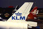 KLM MD-11 AMS (16123929341).jpg