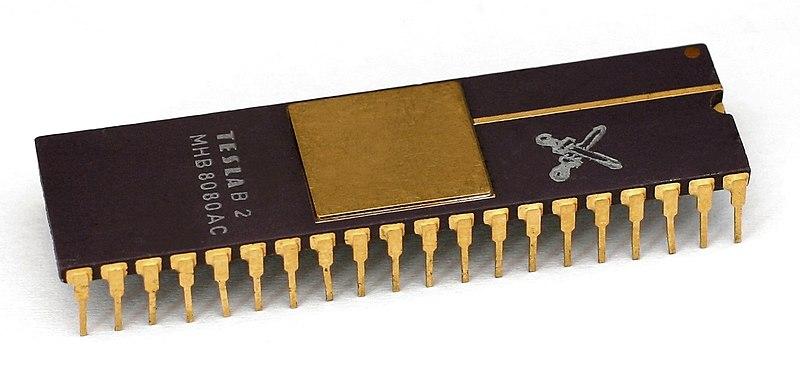 CPU Tesla MHB8080 (=Intel 8080) - zdroj: https://cs.wikipedia.org/wiki/Soubor:KL_Tesla_MHB8080.jpg