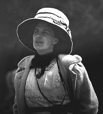 Kathleen Scott - Kathleen Scott (1910).