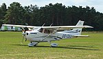 Keiheuvel Cessna 172S Skyhawk OO-CEU 05.JPG
