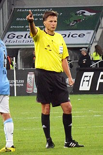 Thorsten Kinhöfer German football referee in the Fußball-Bundesliga