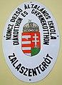 Koncz Dezső Általános Iskola táblája, Zalaszentgrót.jpg