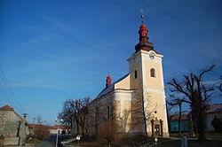 Kostel Nanebevzetí Panny Marie - boční pohled, Kralice na Hané, okres Prostějov.jpg