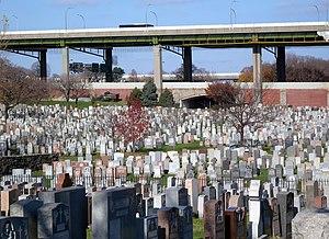 Calvary Cemetery (Queens, New York) - Image: LIE Calvary Cem jeh