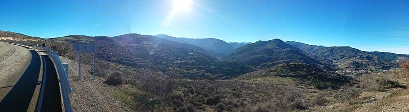 La Sierra de la Demanda desde el Puerto de Pradilla.jpg