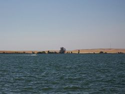 Lake Yosemite Merced California.jpg