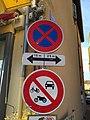 Le Bois-d'Oingt - Panneaux interdiction stationnement place de la Libération (nov 2018).jpg