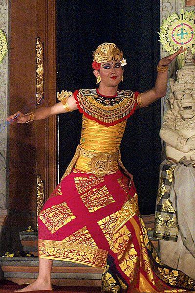 File:Legong Dance, Ubud, Bali 04.JPG
