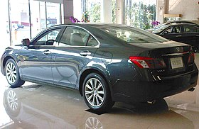 Lexus-ES 350 quarter view.jpg