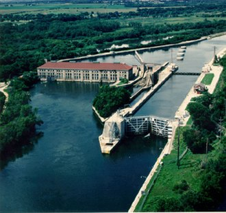 Chicago Sanitary and Ship Canal - Lock and dam at Lockport