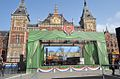 Locomotief 'De Arend' opgesteld voor het Centraal Station te Amsterdam i.v.m. 175 jarig spoorjubileum.JPG