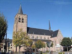 Lommel - Sint-Pietersbandenkerk.jpg