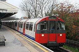London Underground 1973 Stock 233, Turnham Green (15928361229)