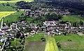 Luftbild Ringenhain aus Richtung Steinbruch mit Dorfkern, Siedlung und Bungalowsiedlung.JPG