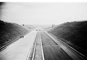M48 motorway - Construction of the M48 near the hamlet of Ingst; at that time it was numbered M4