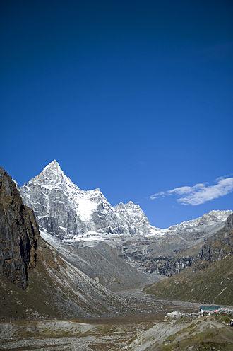 Machhermo - Machermo Peak viewed from Machermo