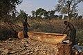 Making a dugout (14874754897).jpg