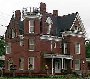 Barnesville, Ohio - Image: Mansion 001