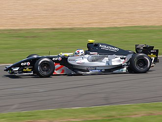 EPIC Racing - Mario Romancini driving for Epsilon Euskadi at the Silverstone round of the 2008 World Series by Renault season.