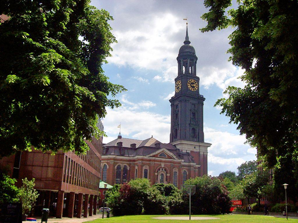 Michel (Hauptkirche Michaeliskirche in Hamburg)