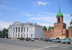Museum samovars and Tower Odoyevsky gate.JPG