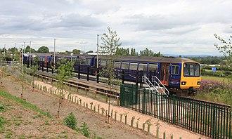 Newcourt railway station (England) - Image: Newcourt FGW 143619+153373