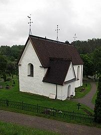 Njutångers kyrka 2013.JPG