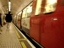 Fichier:Northern line - Charing Cross 01.ogv