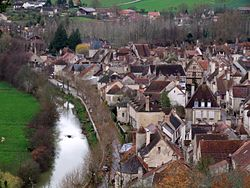 Noyers-sur-Serein - panorama 2.jpg