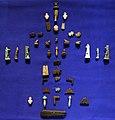 Nuovo regno-epoca tarda, composizione di amuleti per lo più in faience, 1550-332 ac ca. 02.jpg
