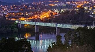 Old international bridge Valenca Tui.jpg