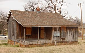 History of Tulsa, Oklahoma - Sylvester Morris House in Owen Park, Tulsa, March 2007. Oldest surviving house in Tulsa.