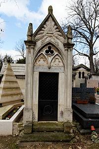 Père-Lachaise - Division 4 - sépulture de famille 01.jpg