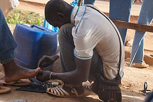 Pedicure - Street pedicure in Bamako