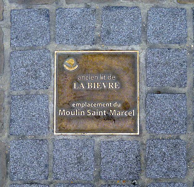 Fichier:P1020161 Paris V Rue Claude-Bernard Plaque Bièvre reductwk.JPG
