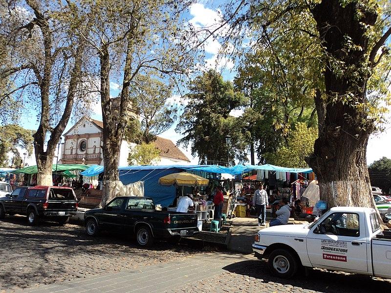 File:PAZCUARO MICHOACAN - panoramio (2).jpg