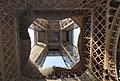 Paris - Eiffelturm - Blick von unten.jpg